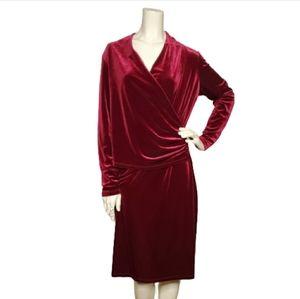 Travelsmith Women's Burgundy Velvet Dress M
